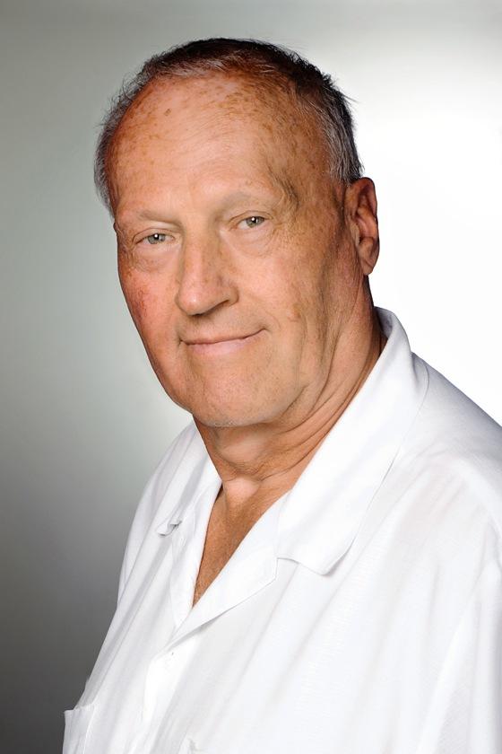 Prof. Dr. Láng István onkológus főorvos, onkológiai konzulens